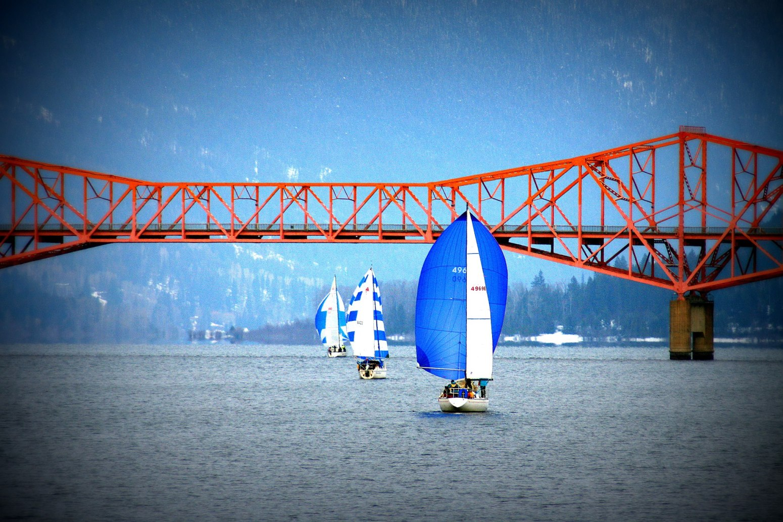Spinnaker run on Kootenay Lake